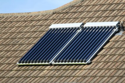 solar-water-heaters-on-roof